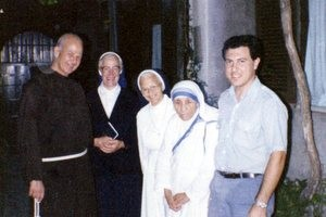 Fr. Cyprian with two nuns of the Lateran community, Mother Teresa, and a Maltese seminarian.