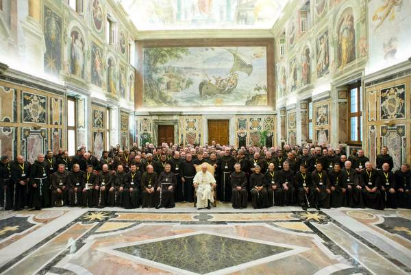 160 Franciscan Provincials from around the globe pose for a photo with Pope Francis. Photo: ©L'Osservatore Romano