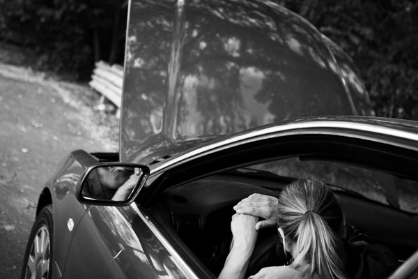 Prayer_car_BW