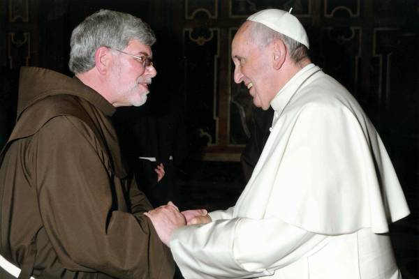 Provincial Minister Fr. Jeff Scheeler, OFM, greets Pope Francis. Photo: ©L'Osservatore Romano